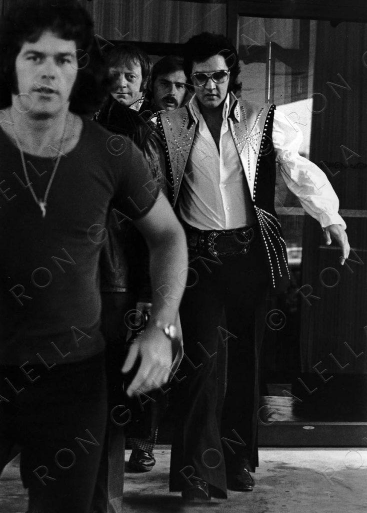 19740625_Elvis Bodyguards