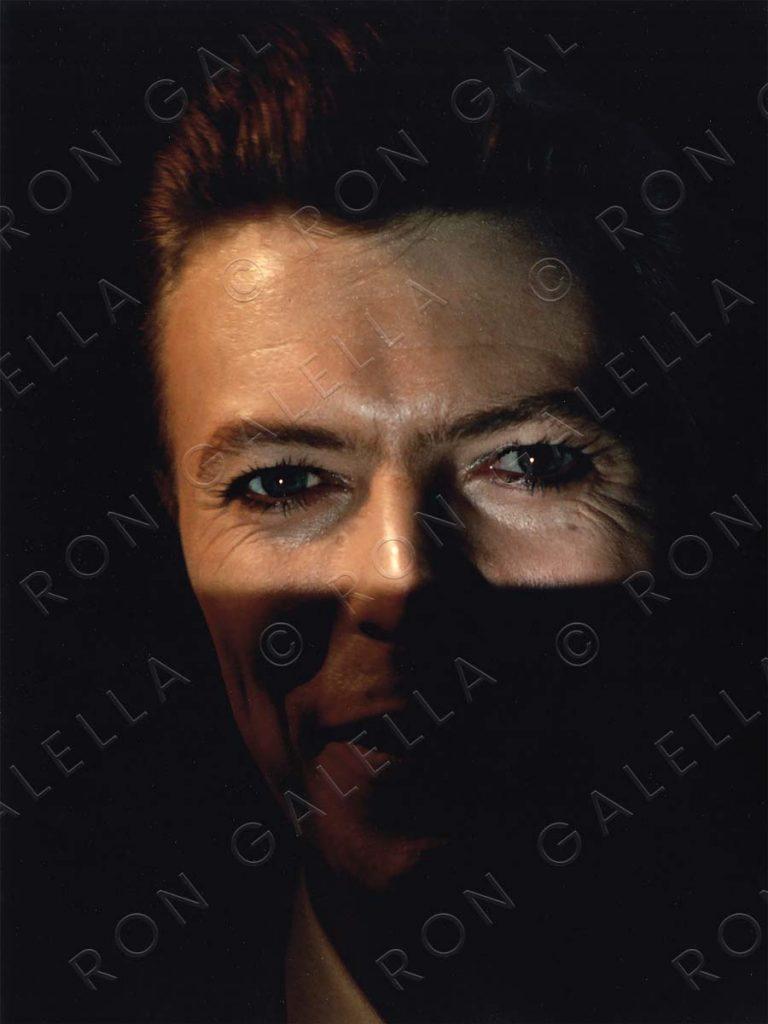 19800928_David Bowie eyes color