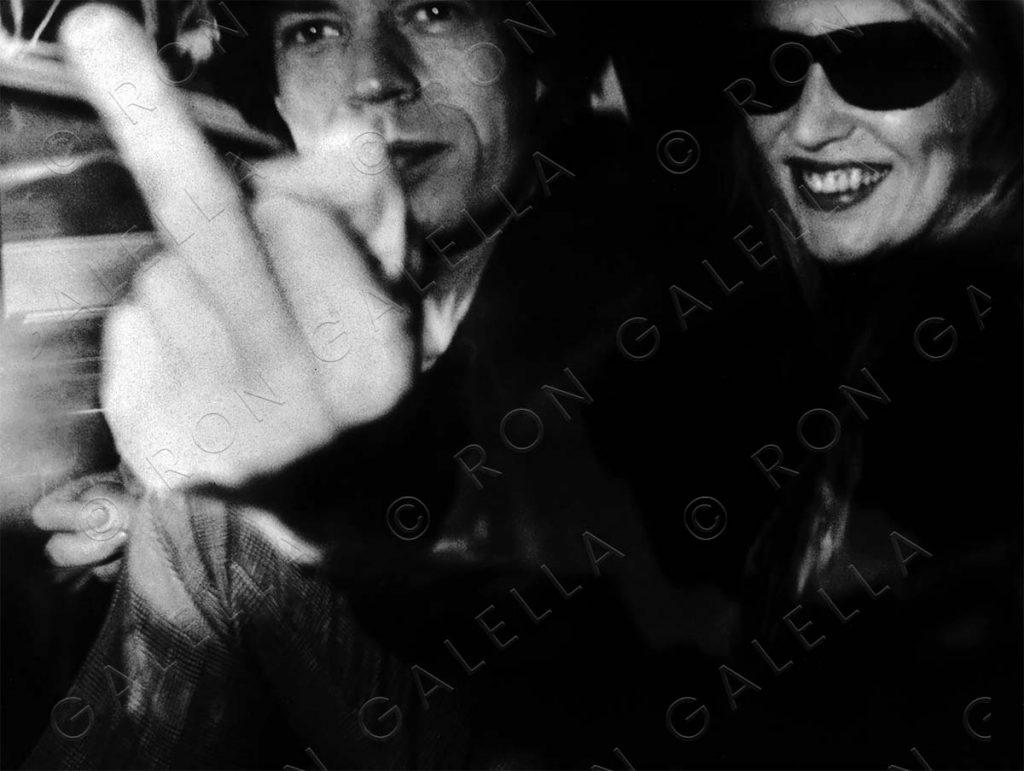 19830116_Mick Jagger Middle Finger