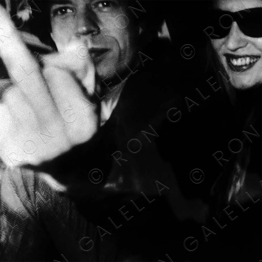 19830116_Mick Jagger Middle Finger